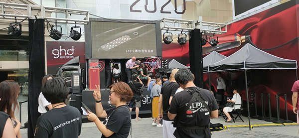 Jingchuan LED advertising truck assists ghd Tmall offline promotion activity